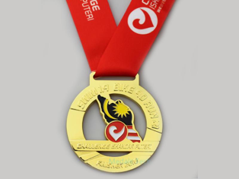 Custom Triathlon Marathon Medal Process