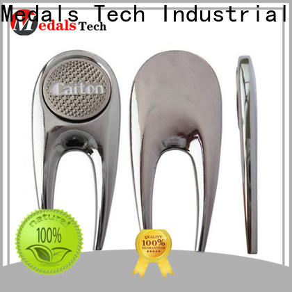 Medals Tech vintage golf divot tool design for adults