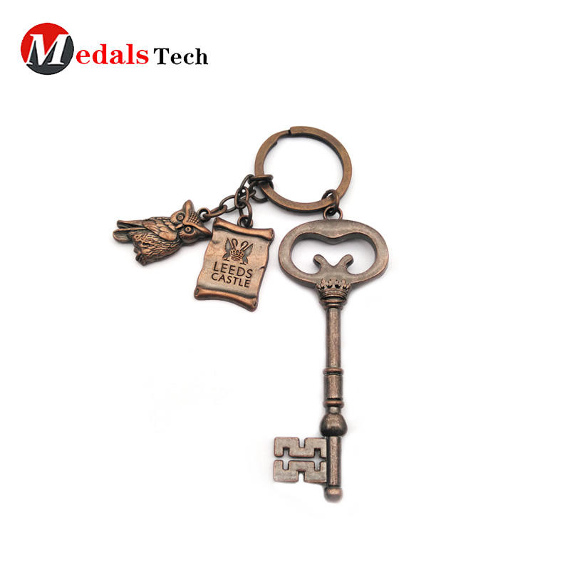 Antique copper metal custom logo keychain for souvenir