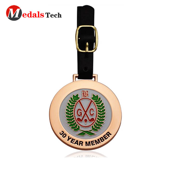 China manufacture popular shinny bronze zinc alloy golf bag tag with leather belt