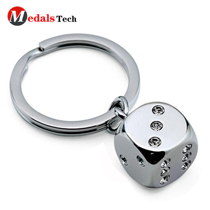 New style promotional silver plating metal dice keychain