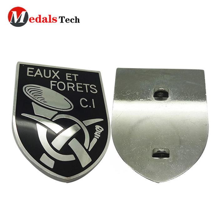 Wholesale soft enamel custom embossed logo silver plating nameplate
