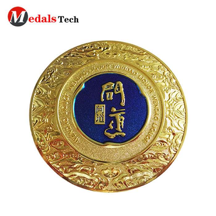 2019 new style metal  round shape gold plating royal style zinc alloy nameplate