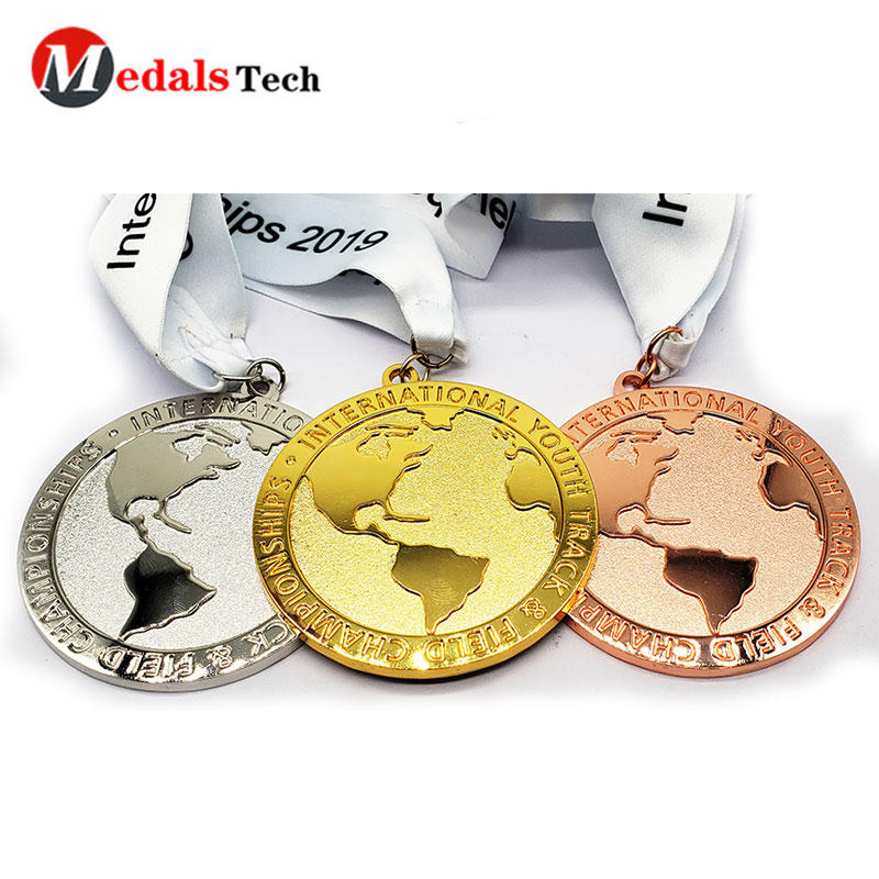Custom Medals New Style Shinny Plating Earth Shape Embossed Logo Marathon Medal