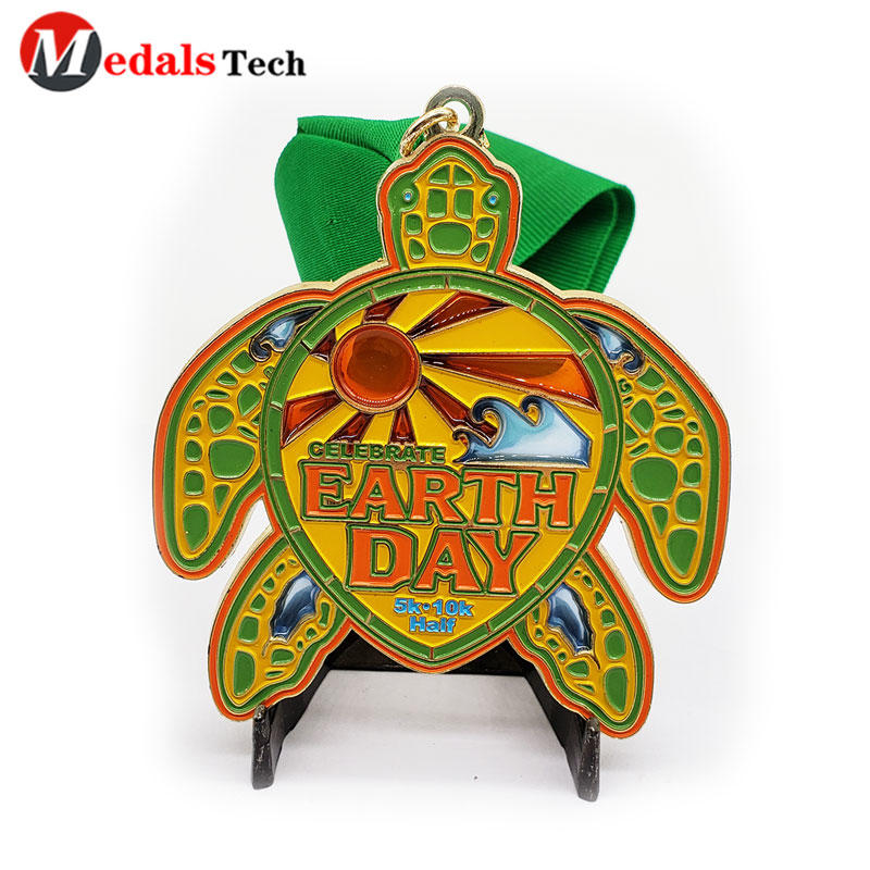 Sport Metal Medal Personalized Tortoise Shape Multi Color Filled Gold Plating Theme