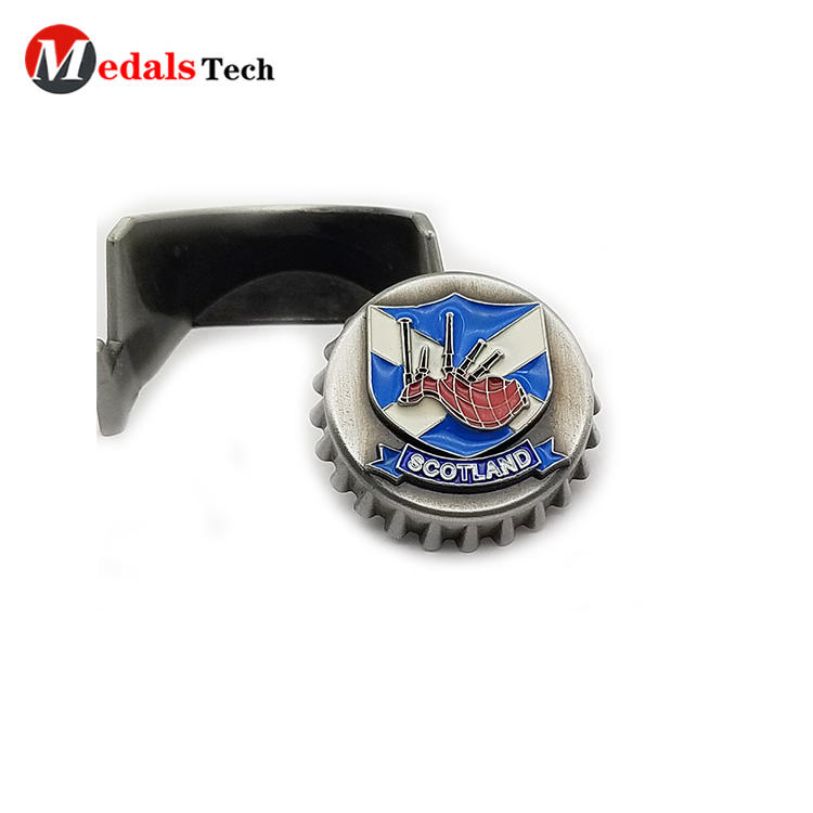Creative  mini metal cap shape beer bottle opener with soft enamel
