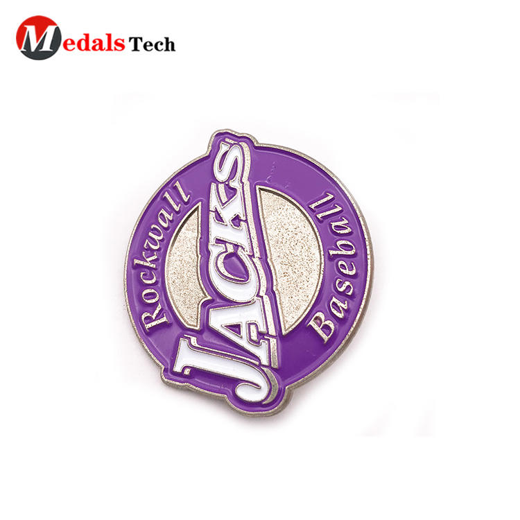 High quality customized logo silver plating badge with sandblast backside