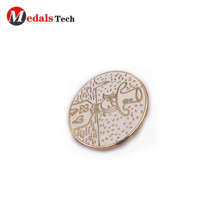 Promotional round shape gold plating cute badge with color filled