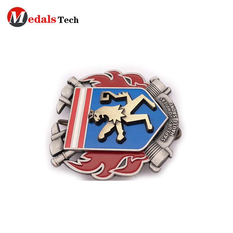Hot selling custom embossed 3d logo antique silver metal badge