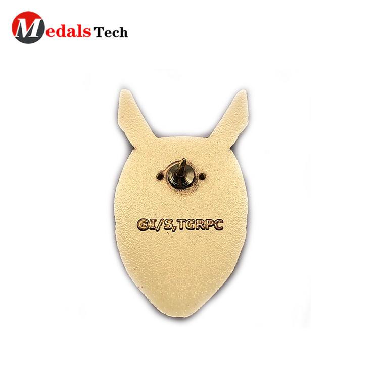 High quality unique gold plating hard enamel epoxy badge
