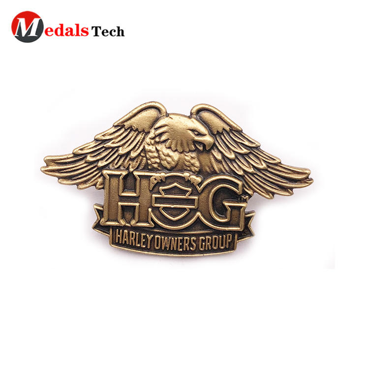 China manufacture metal eagle antique gold die casting pin badge