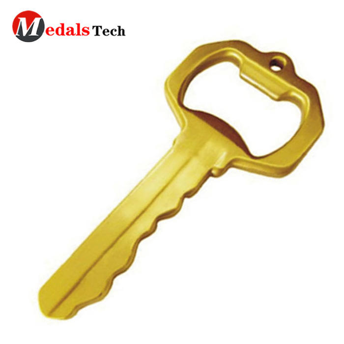 Creative shape zinc alloy gold plated club beer keychain bottle opener