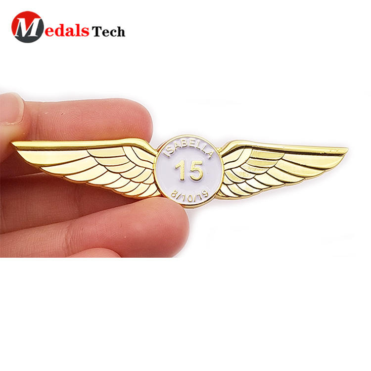 Medals Tech iron mens suit pins design for woman