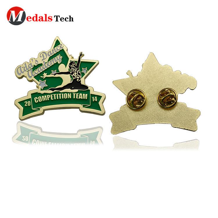 Unique shaped 3d logo gold plating sport meet funny badge