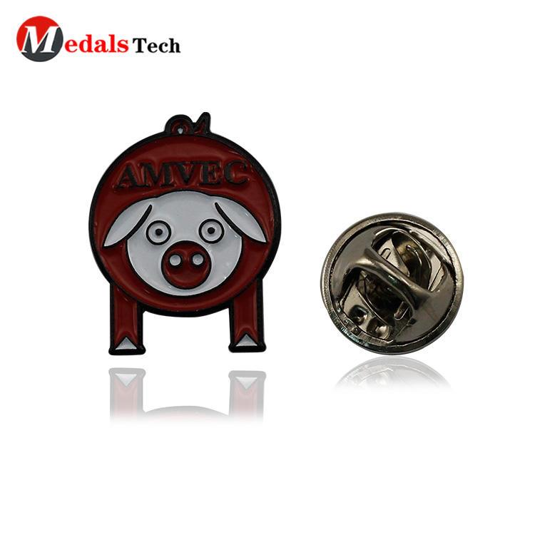 High quality creative funny pig shaped metal souvenir badge for kids