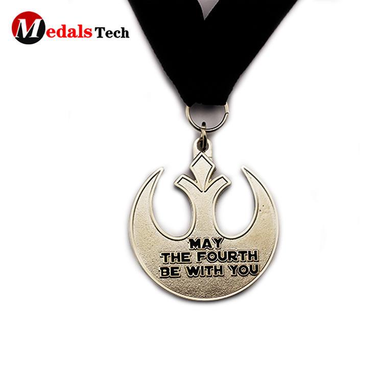 Cheap custom embossed logo soft enamel finisher medals