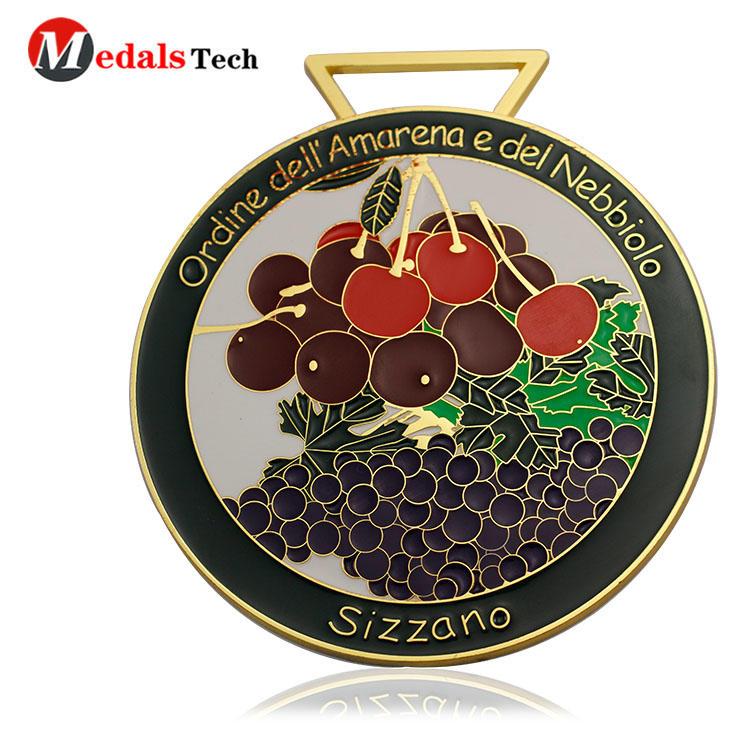 Custom medals with unique fruits logo souvenir