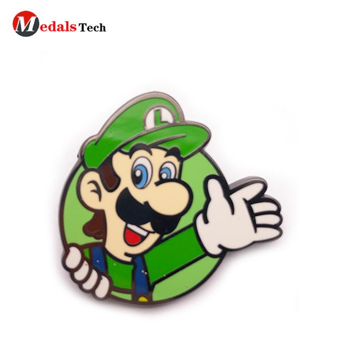Wholesale personalised lapel pin black plating metal gift  badge