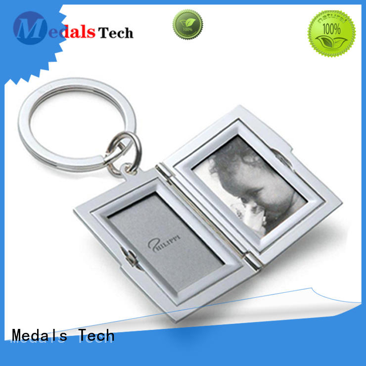 Medals Tech transparent name keychains customized for promotion