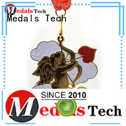 Personalize cheap custom love 3d shinny gold plating metal medals