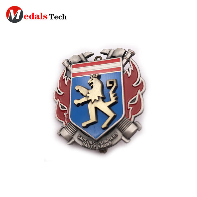Medals Tech iron mens suit pins design for woman-2