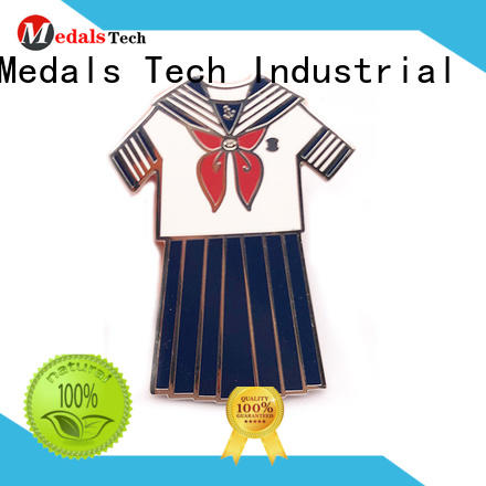 Medals Tech football quality lapel pins with good price for man