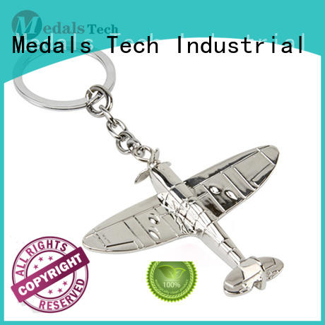 Medals Tech gold cool keychains for guys from China for souvenir