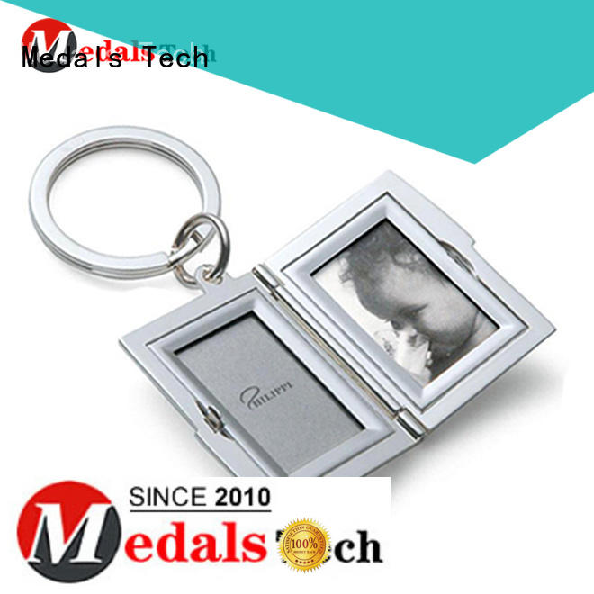 fashion cool metal keychains 3d for woman Medals Tech