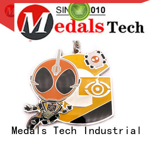 Medals Tech plated name keychains customized for souvenir