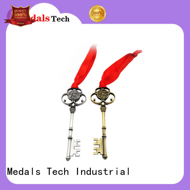 Medals Tech casting cool keychains for guys manufacturer for souvenir