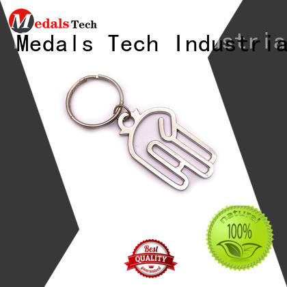 Medals Tech cap metal keychains from China for woman