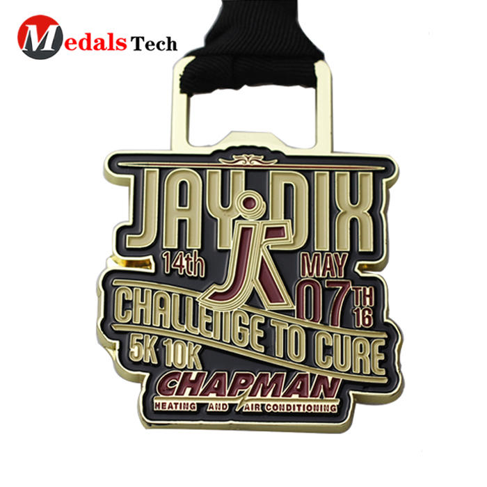 Factory discount sale eagle shape gold finish metal finisher assembly medals with beer bottle opener