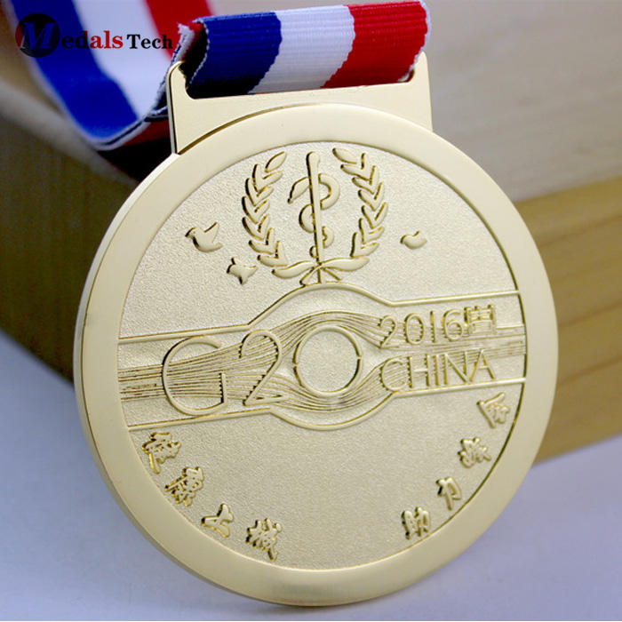 2019 new style cheap custom gold handmade honour metal medal for gifts