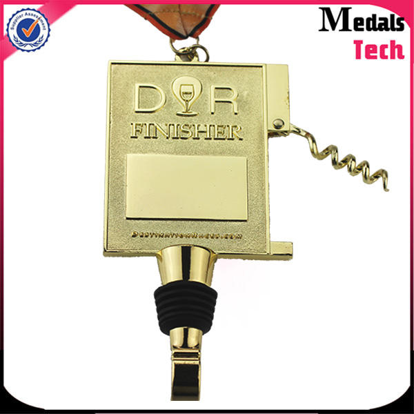 Wholesale customized gold plated hollow out star military honor two kinds bottle opener medals with color filled