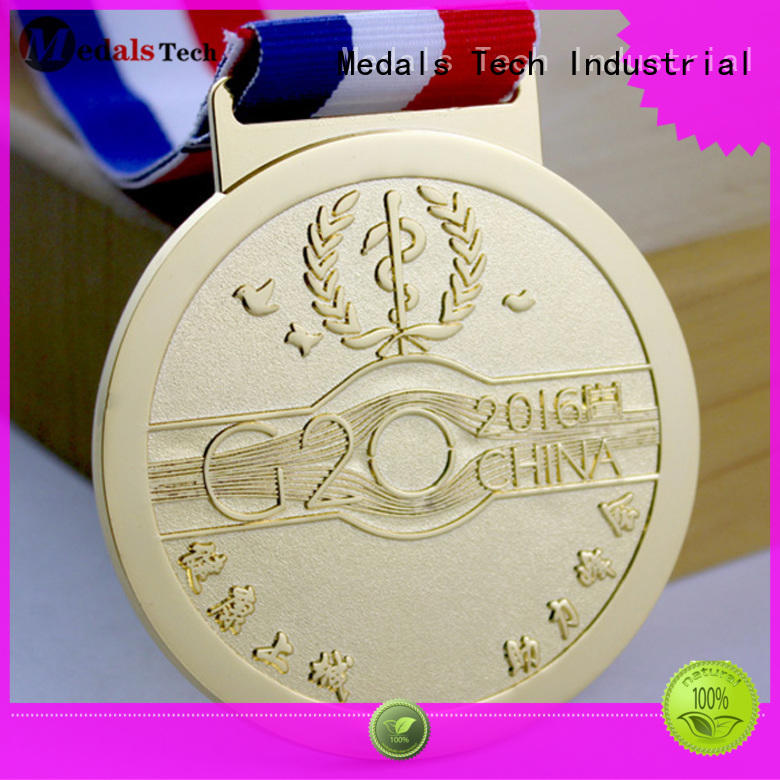 Medals Tech simple silver medal personalized for man